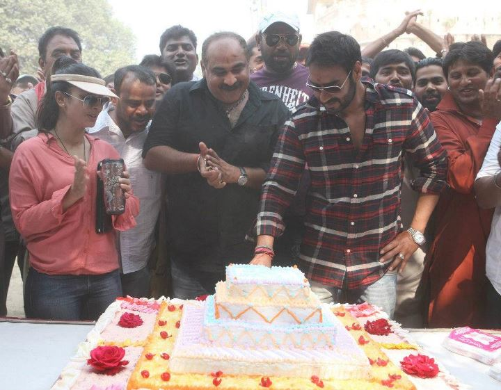 Cake Images With Name Ajay : Ajay Devgan s birthday on Son of Sardar sets (Pics)