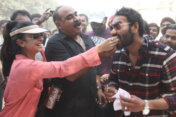 Ajay Devgan celebrating his birthday with crew of Son of Sardar