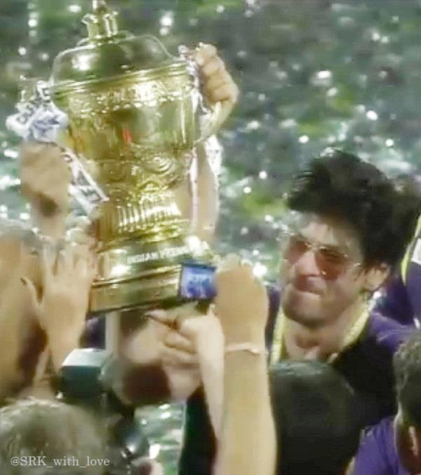 SRK lifts the IPL Trophy