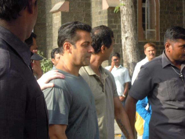 Salman Khan Dabangg 2 on location