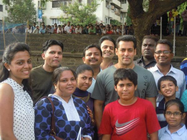 Salman Khan with fans on the sets of Dabangg 2