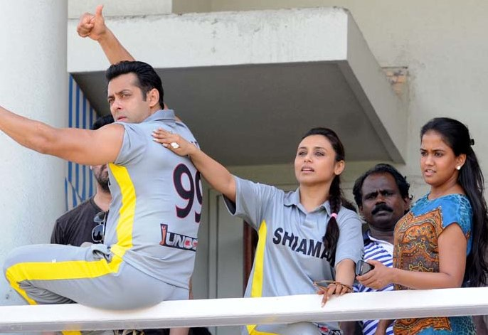 Salman Khan playing cricket