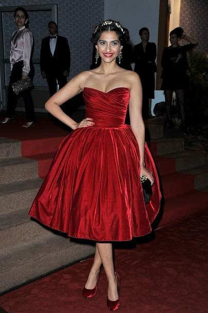 Sonam Kapoor at 65th Annual Cannes Film Festival Dinner