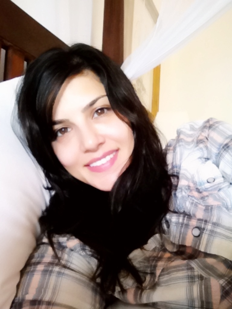 Sunny Leone without makeup (Photos)