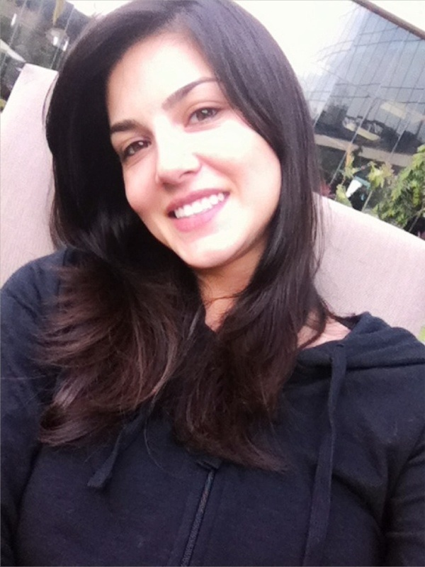 Sunny Leone without makeup photo