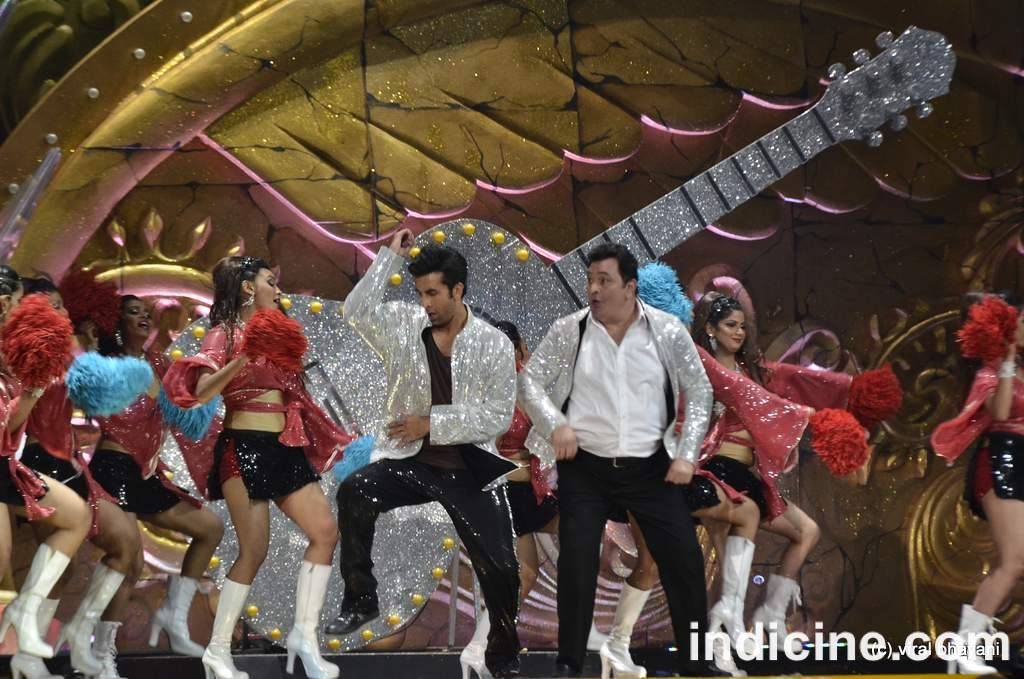 First time ever - Rishi and Ranbir perform together