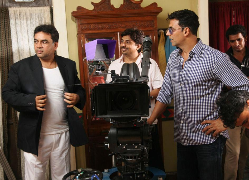 Akshay Kumar, Paresh Rawal with director Umesh Shukla on the sets of OMG Oh My God