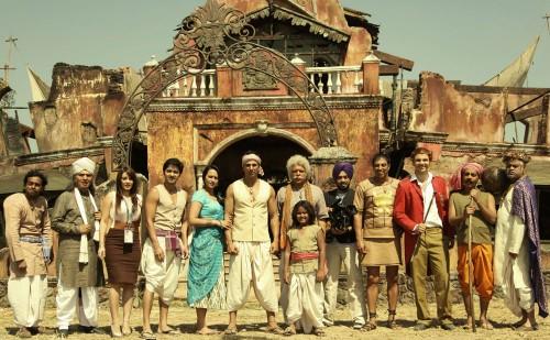 Akshay Kumar, Sonakshi Sinha with co-stars of Joker