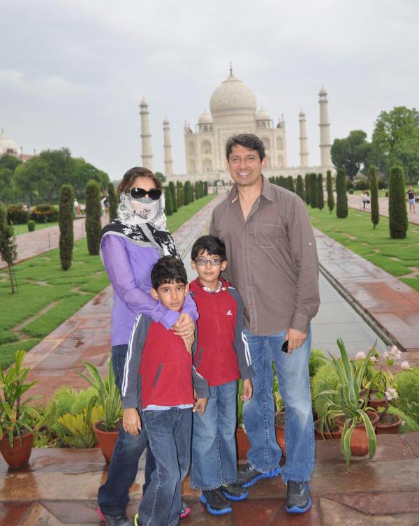 Madhuri Dixit with Dr Sriram Nene and kids Arin, Raayan at Taj Mahal