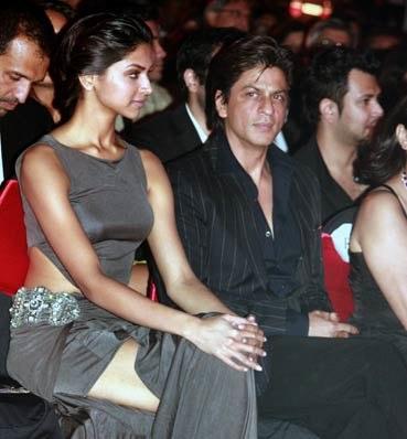 Deepika - SRK in Chennai Express