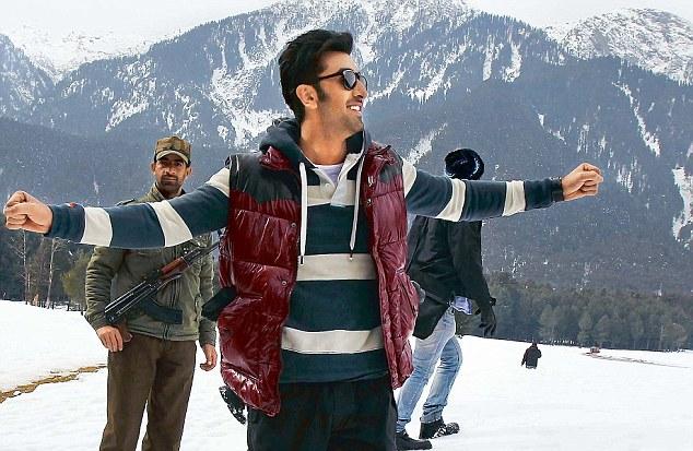 Ranbir Kapoor shooting Yeh Jawani Hai Deewani song in Kashmir