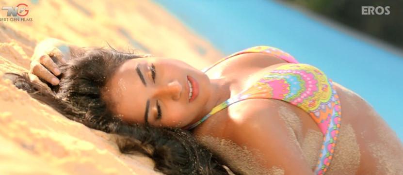 Sonal Chauhan Bikini Scene