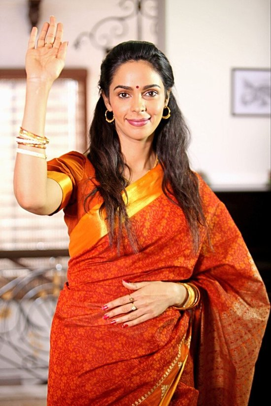Mallika Sherawat in Dirty Politics