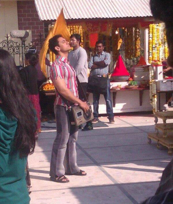 Aamir Khan on the sets of Peekay