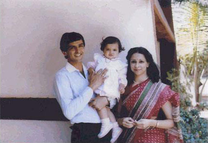 Baby Deepika Padukone with Prakash and Ujjala Padukone