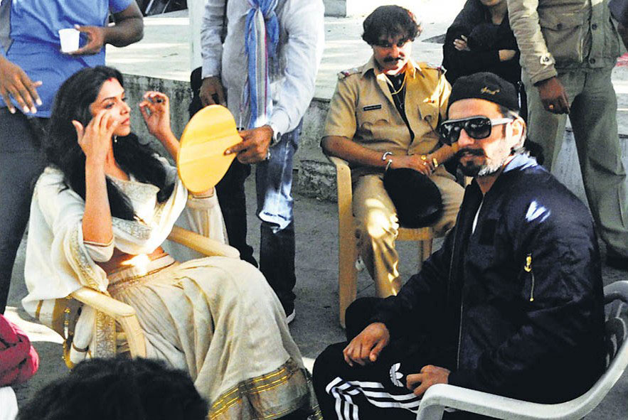 Ranveer Singh, Deepika Padukone on the sets of Ram Leela