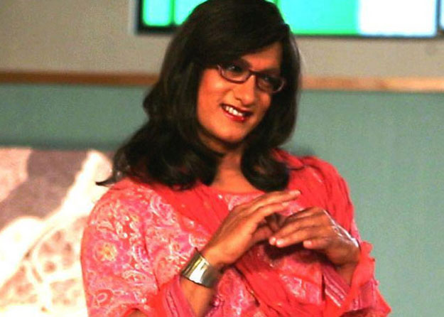 Aamir Khan looks like a lady for an ad