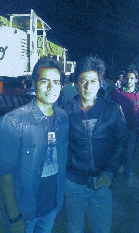 Shahrukh Khan with his stunt double on the sets of Chennai Express