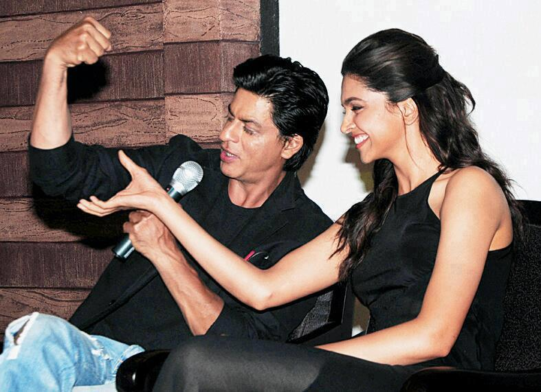SRK, Deepika in Munnar - Chennai Express press meet