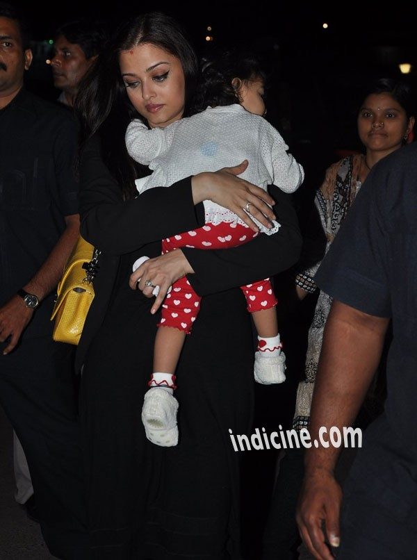 Aishwarya Rai with daughter Aaradhya