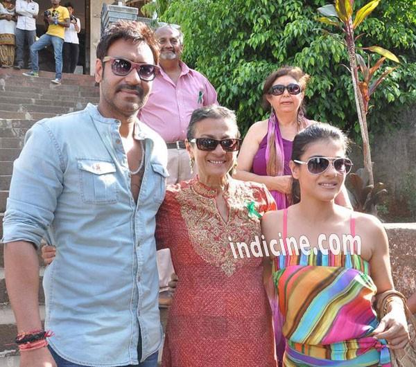 Ajay Devgan with Tanuja and Kajol