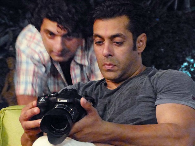 Salman Khan on the sets of Mental in Goa