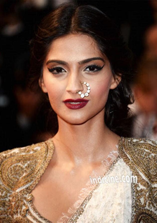 Sonam Kapoor in desi look - Cannes 2013