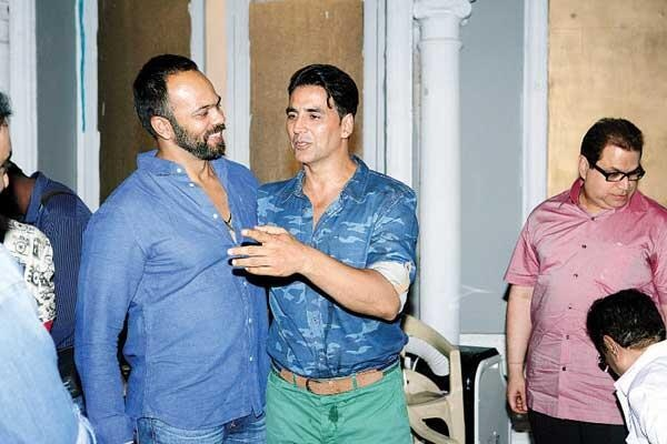 Akshay Kumar, Rohit Shetty on the sets of It's Entertainment