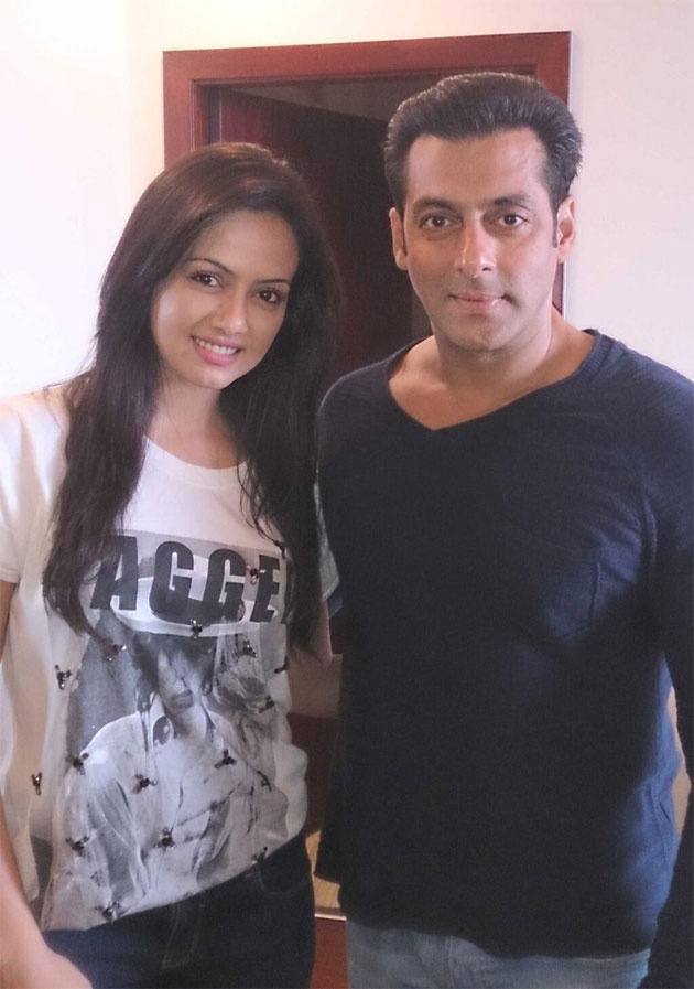 Salman Khan with Sana Khan during shooting for Mental in Hyderabad