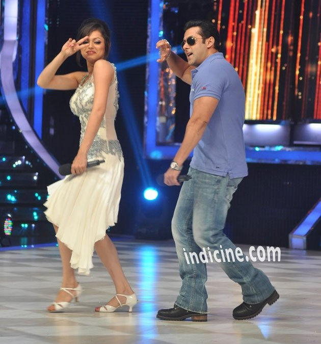 Salman promotes Big Boss 7 at Jhalak Dikhhla Jaa