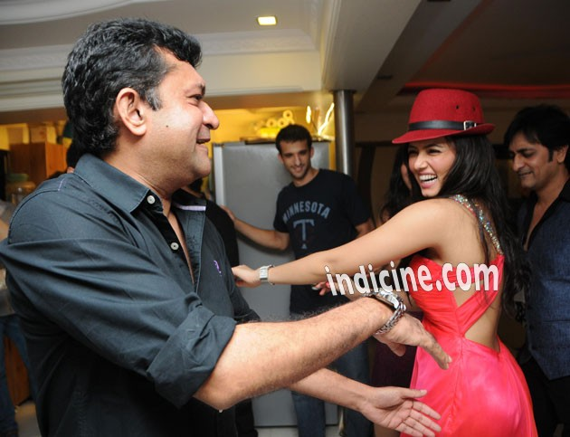 Sana Khan dancing with Ken Ghosh