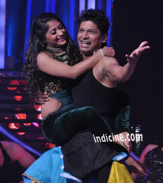Sneha Kapoor with Shaan