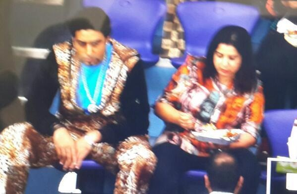 Abhishek Bachchan, Farah Khan on the sets of Happy New Year