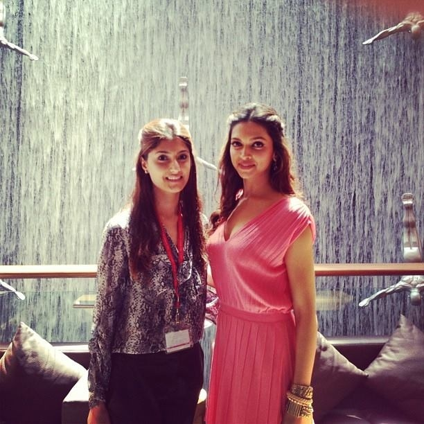 Deepika Padukone on the sets of Happy New Year at Dubai Mall