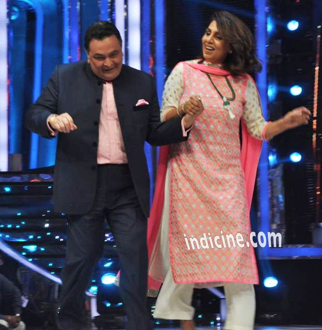 Rishi Kapoor dancing with wife Neetu Singh