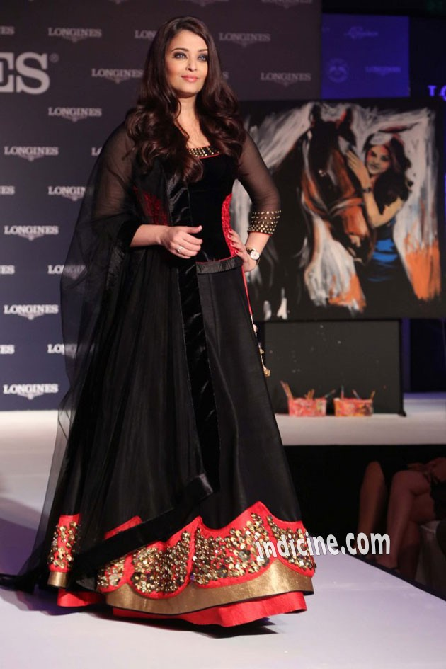 Aishwarya at the launch of new collection of Longines Watch in Delhi