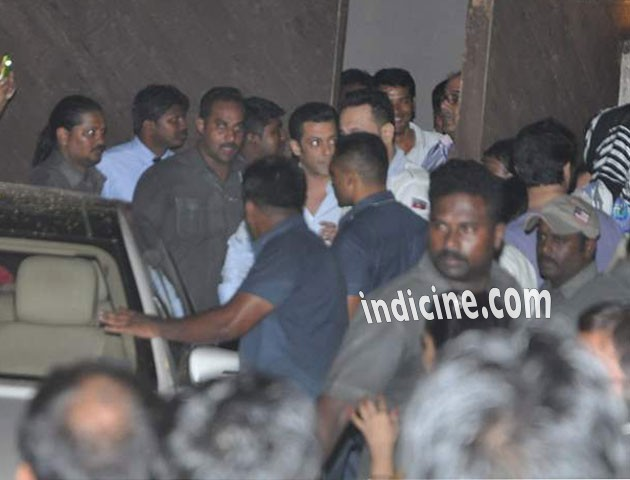 Salman Khan on the sets of Jai Ho