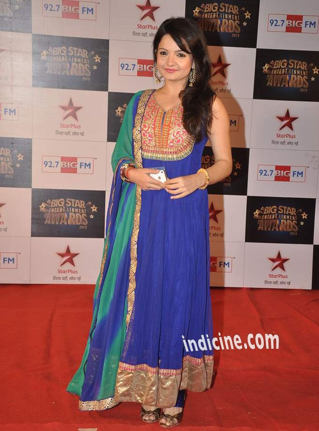Gia Manek at Big Star Entertainment Awards 2013