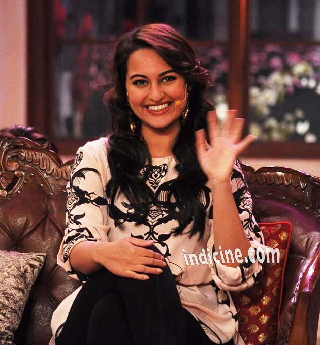 Sonakshi Sinha promotes R Rajkumar on Comedy Nights with Kapil