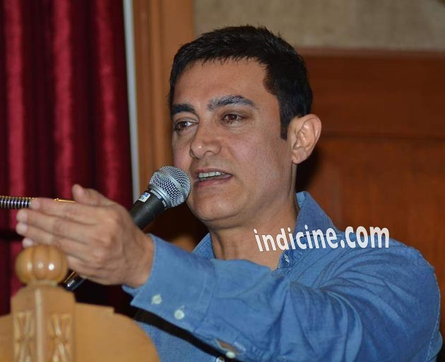 Aamir Khan spreads awareness about road safety