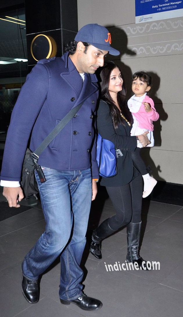 Abhishek Bachchan with wife Aishwarya and daughter Aaradhya