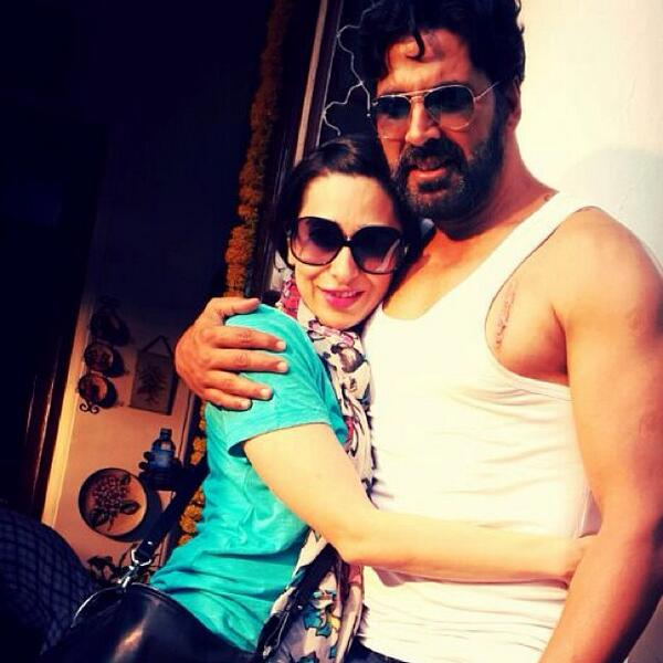 Akshay Kumar with Karisma Kapoor Gabbar on location