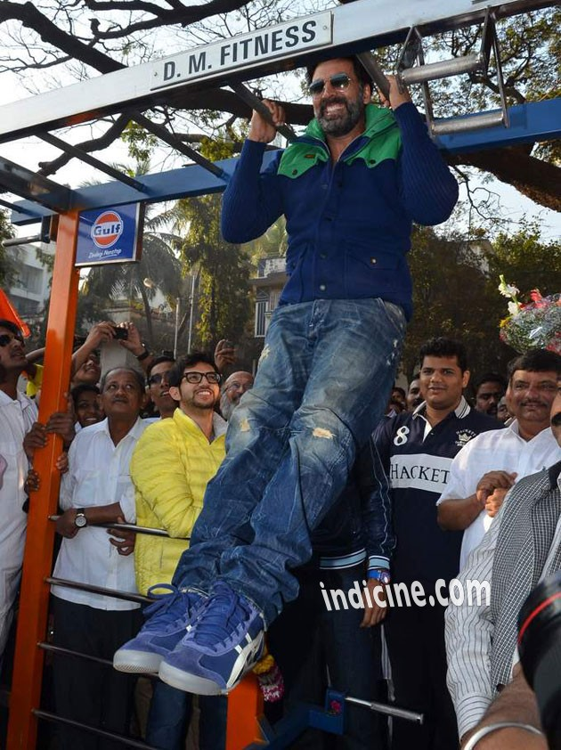 Akshay kumar at the launch of DM fitness at Worli
