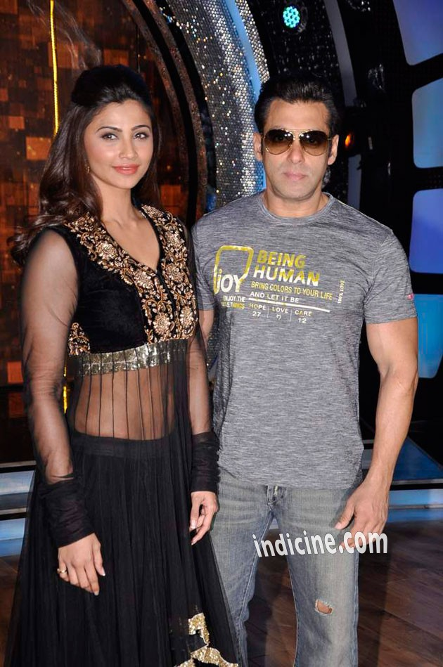 Daisy Shah, Salman Khan on the sets of ZEE DID