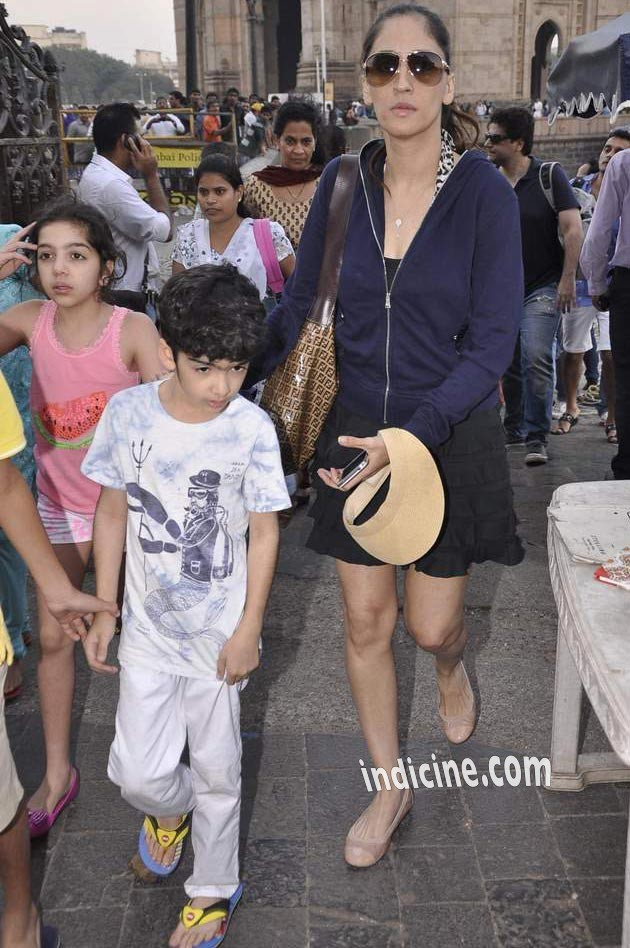 Farah Khan Ali with Hrehaan Roshan