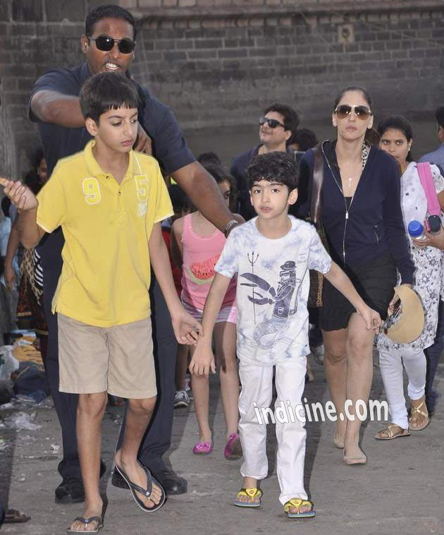 Hrehaan Roshan with Farah Khan Ali