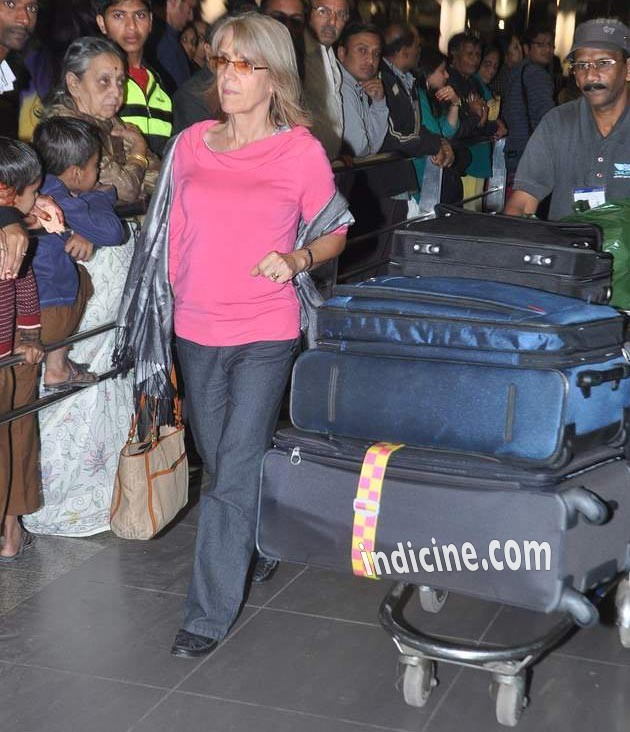 Katrina Kaif returns to Mumbai with her mother: Photos