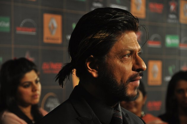 Close up of SRK at Star Guild Awards