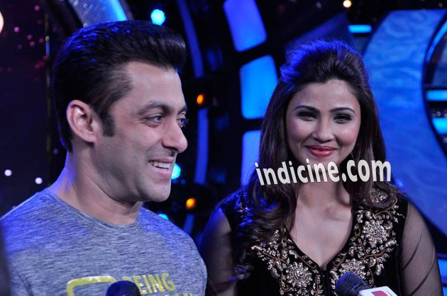 Salman Khan and Daisy Shah on the sets of ZEE DID