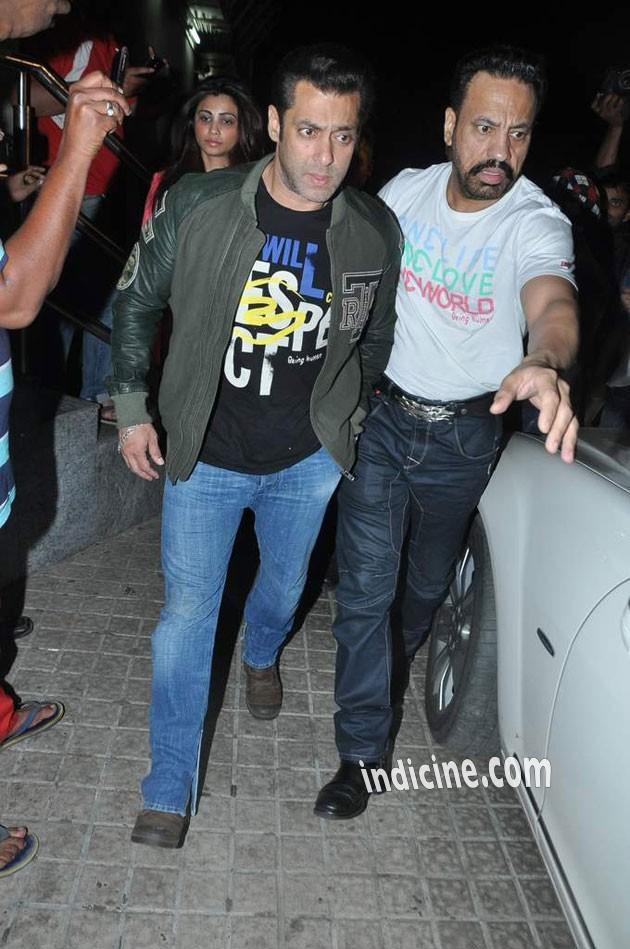 Salman Khan Shera Wallpaper Salman Khan And His Bodyguard